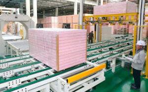 horizontal stretch wrapping machine packing phenolic boards