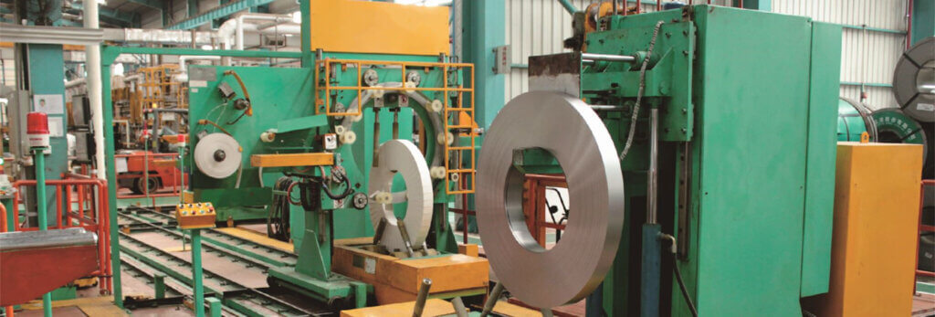 copper coil packing line for transferring upending wrapping and strapping